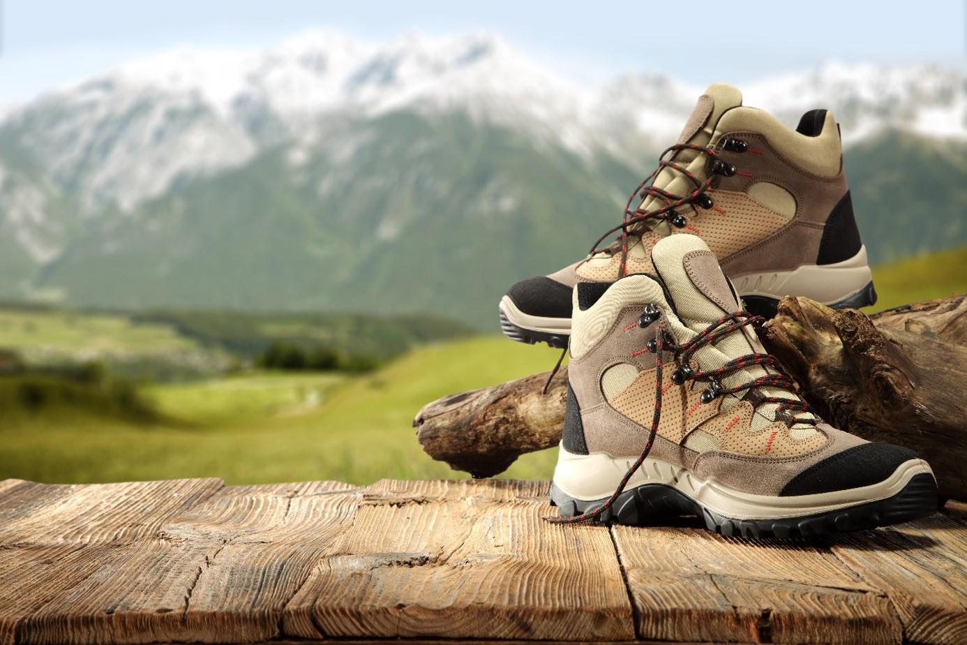 Hľadáte dobrú turistickú obuv? Poradíme vám ako na to!